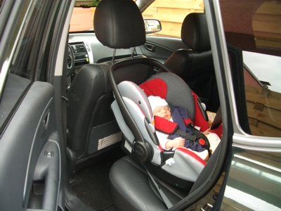 Kindersitz in Papas Hyundai