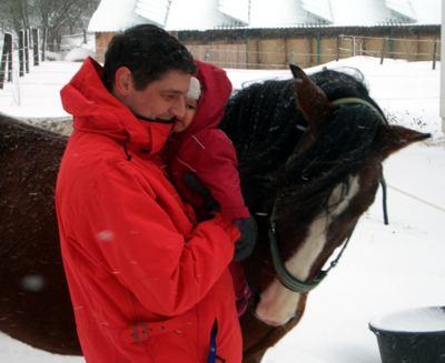 Papa, Pferd und ich.