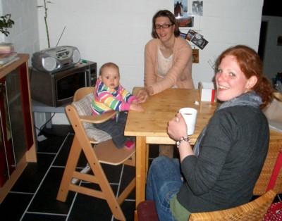 Kaffeeklatsch im neuen Stuhl.