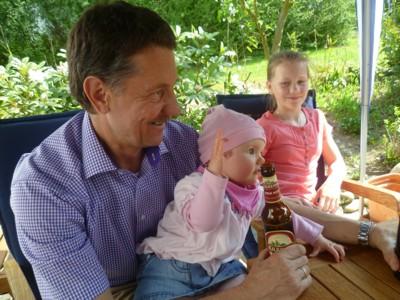 Meine Freundin Dina und ihr Papa.