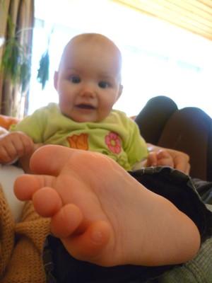 Optische Täuschung: Milas Fuß