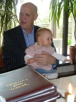 Mit Opa Jürgen im Restaurant