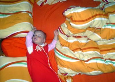 Mila schläft.