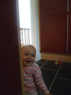 Verstecken spielen mit Papa.