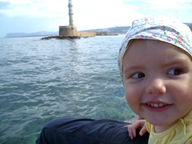 Mila im Hafen von Chania.